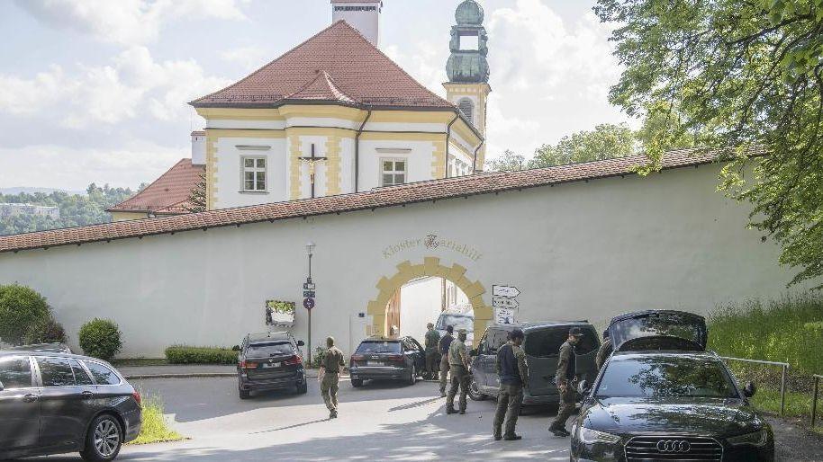 Großer Polizeieinsatz am Mariahilfkloster in Passau