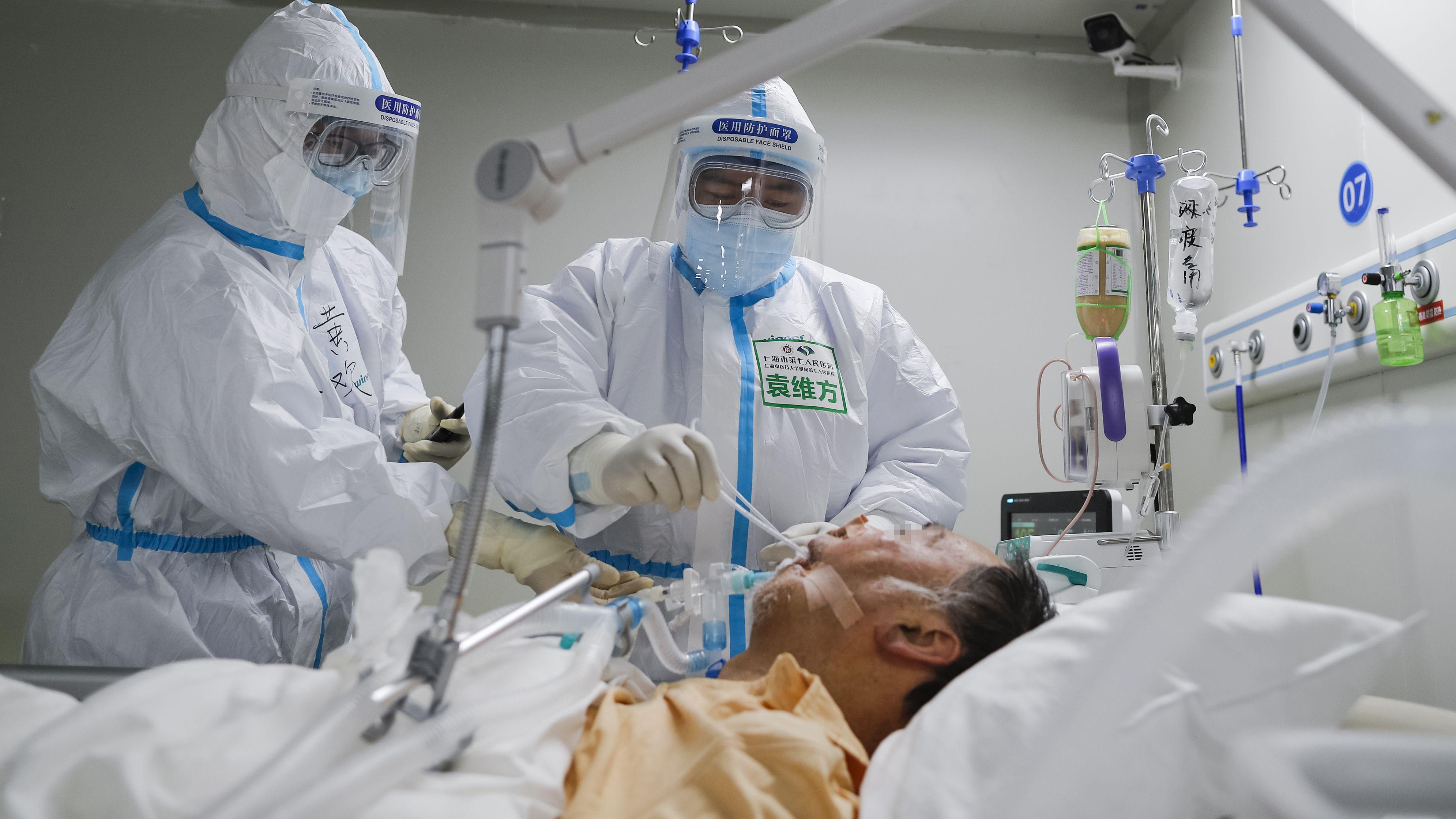 Beatmung eines Patientenin Wuhan
