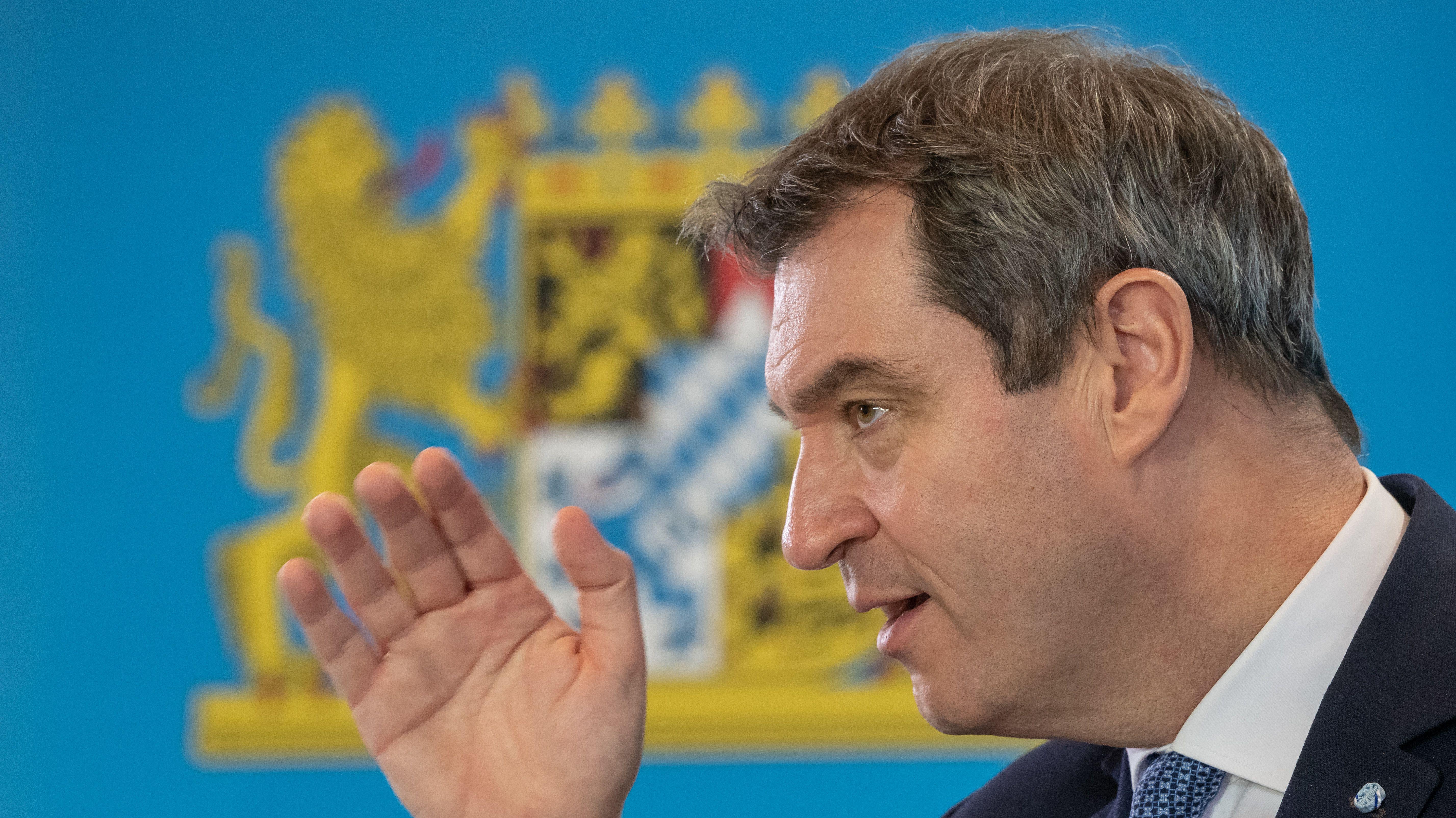 Markus Söder (CSU), Ministerpräsident von Bayern, spricht am 30.03.2020 bei einer Pressekonferenz in der bayerischen Staatskanzlei.