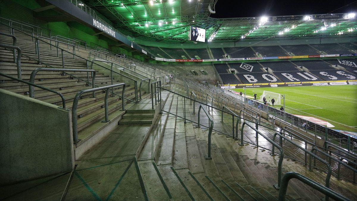 Leeres Bundesliga-Stadion