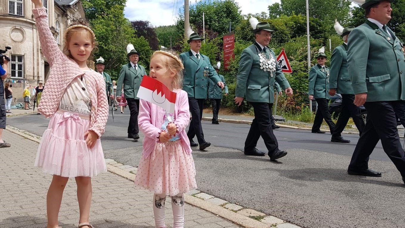Kinder beim Umzug zum Tag der Franken.