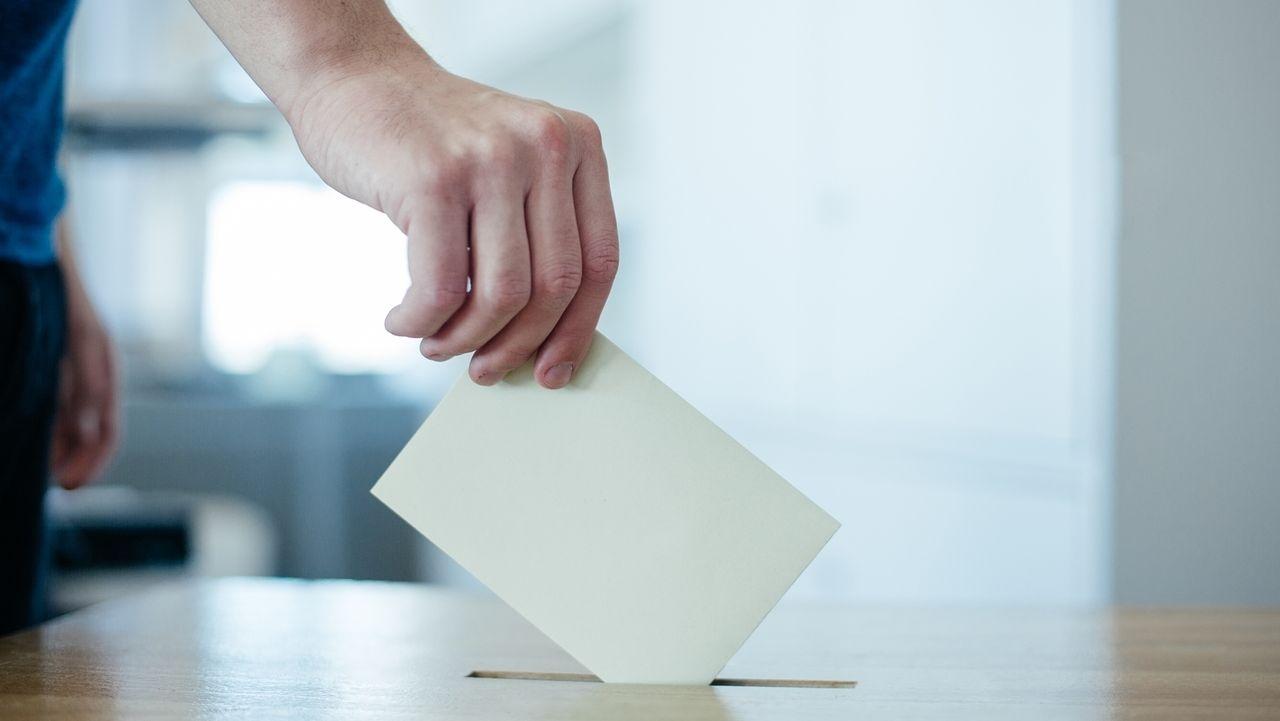 Symbolbild: Wahlgang, Bürgerentscheid, Stimmzettel