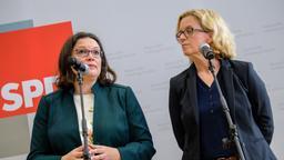 Andrea Nahles und Natascha Kohnen auf einer Pressekonferenz in München | Bild:dpa-Bildfunk/Matthias Balk