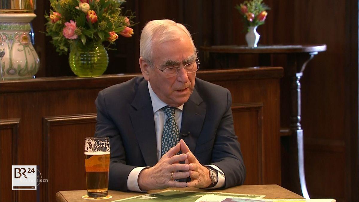 Der CSU-Ehrenvorsitzende Theo Waigel rät Markus Söder, nicht vorschnell über eine Kanzlerkandidatur zu entscheiden. Grundsätzlich sei die Frage zwar offen. Es gelte aber, die Fehler seiner Vorgänger zu vermeiden.