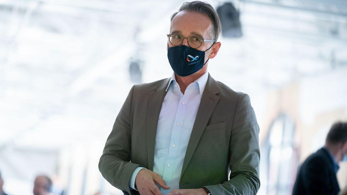 Bundesaußenminister Heiko Maas hat sich wegen der Corona-Infektion eines seiner Personenschützer in Quarantäne begeben.