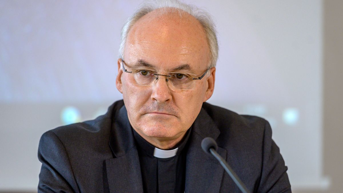 Voderholzer protestiert gegen Text zu Frauen in der Kirche