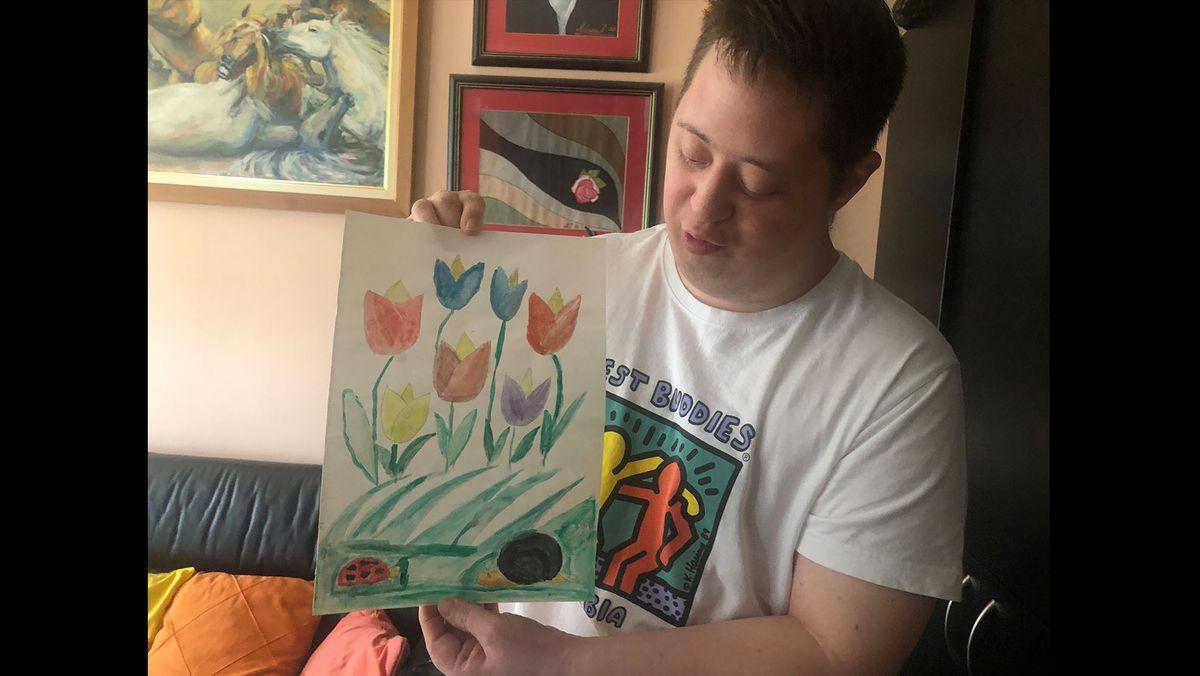 Strahinja Milisavac malt, musiziert und lebt zuhause bei seinen Eltern.
