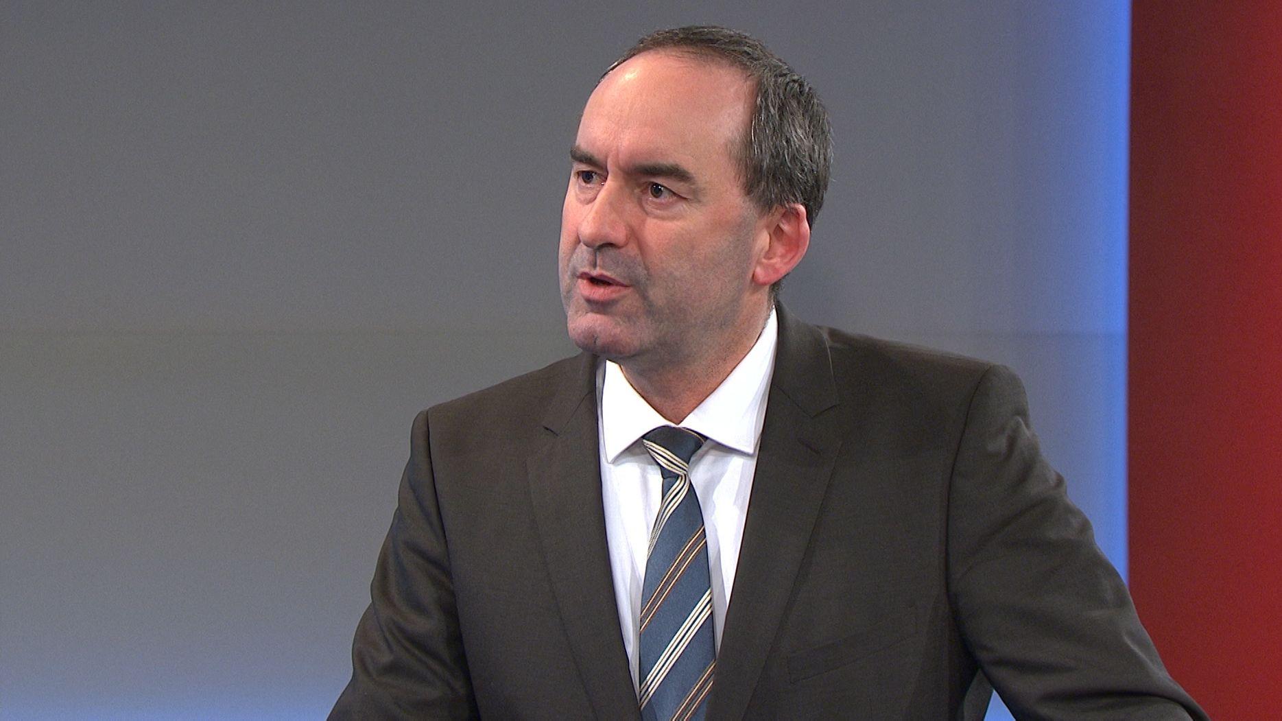 Wirtschaftsminister Hubert Aiwanger (FW) im BR-extra-Interview