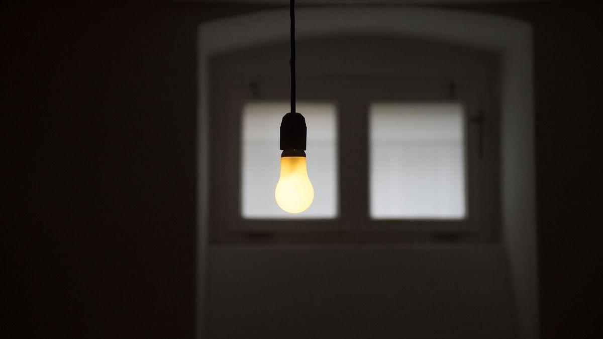 Eine Glühbirne in einer Zelle