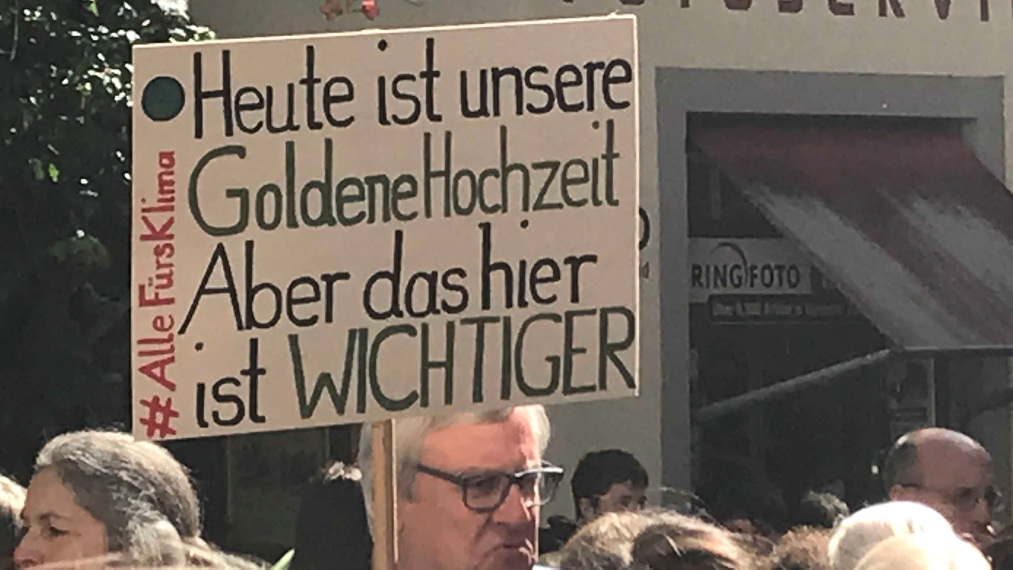 FFF-Demo in Lindau mit Protestplakat
