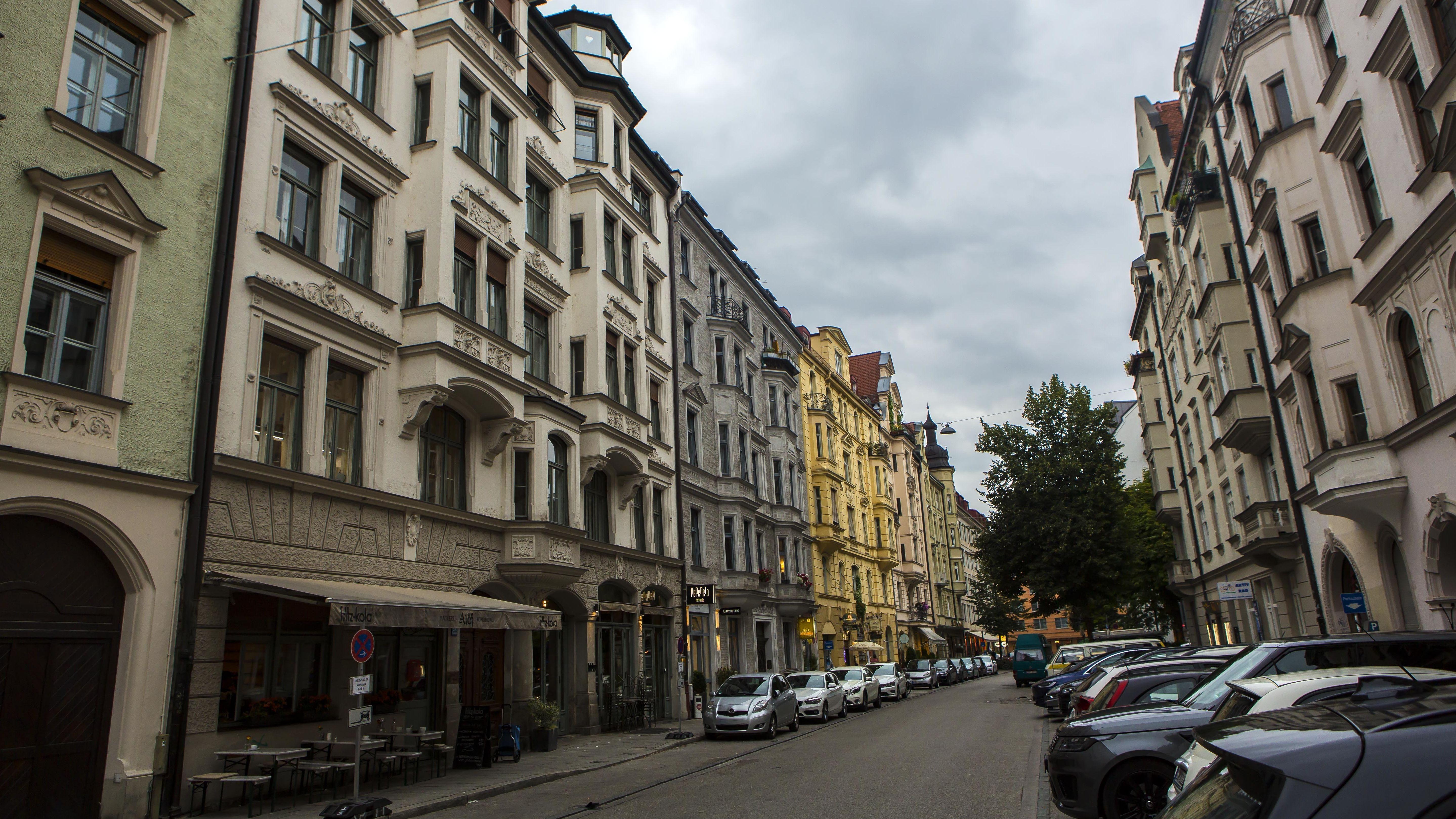 Häuser in der Hans-Sachs-Straße im Münchner Glockenbachviertel.