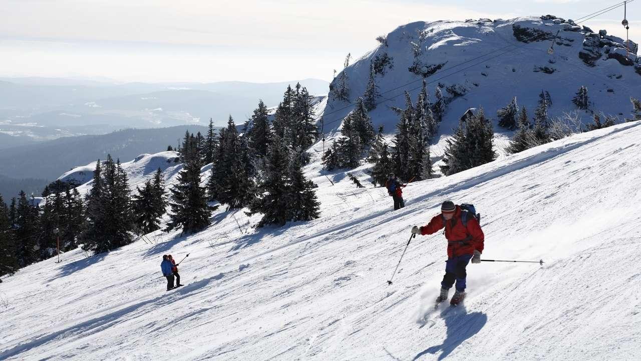 Skifahren am Skilift Osthang am Großern Arber im Bayerischer Wald ist dieses Wochenende ein letztes Mal möglich.