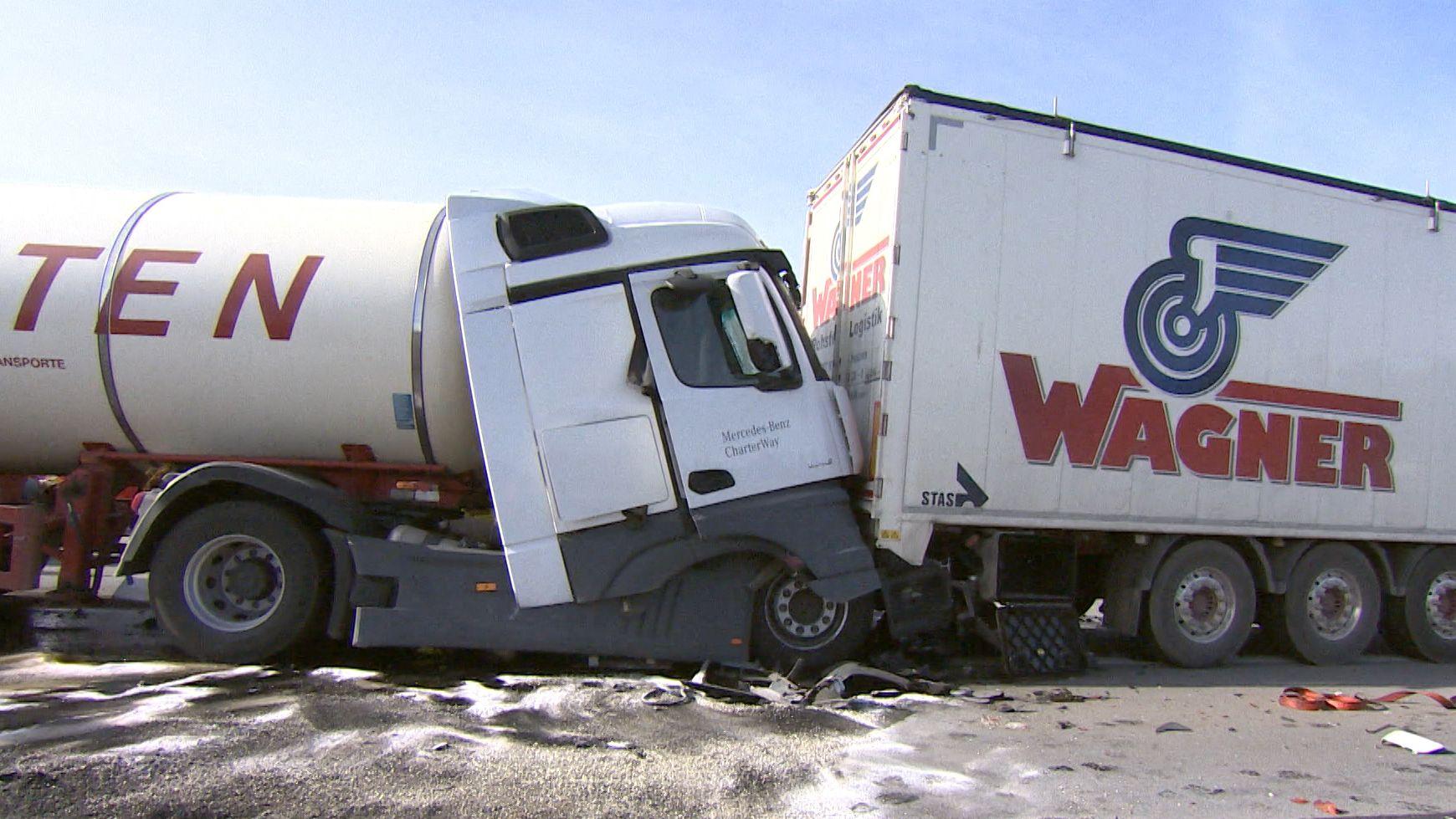 LKW-Unfall bei Allershausen