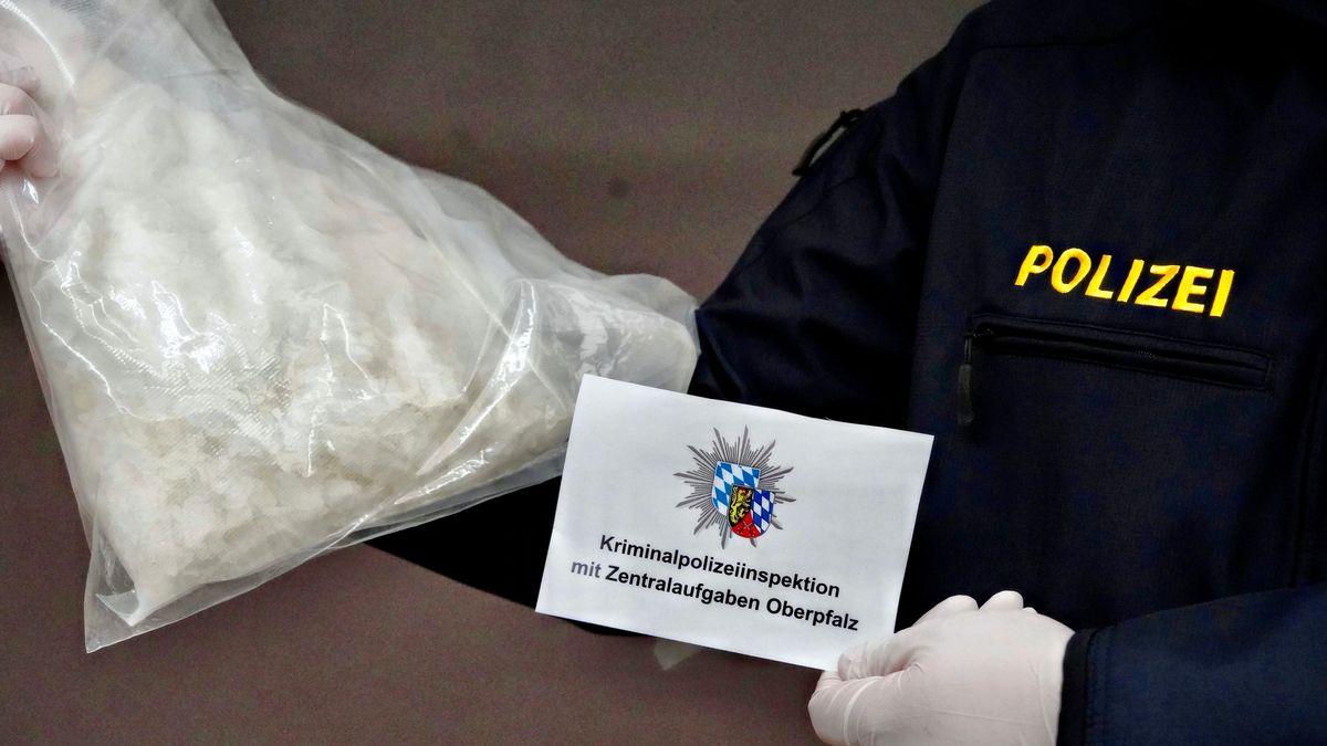 Der Kriminalpolizei ist ein erneuter Schlag gegen die Drogenkriminalität im Großraum Regensburg gelungen.