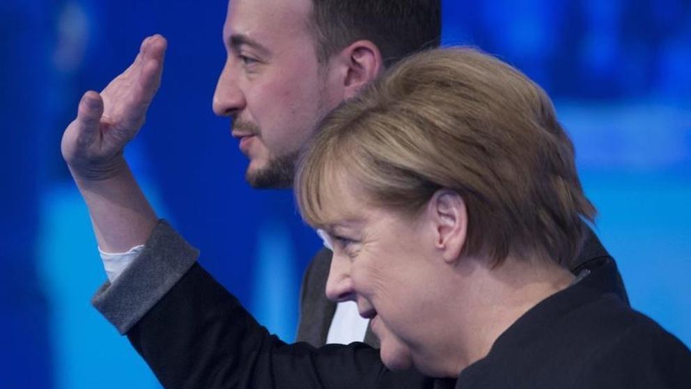Archiv: Angela Merkel und JU-Chef Paul Ziemiak