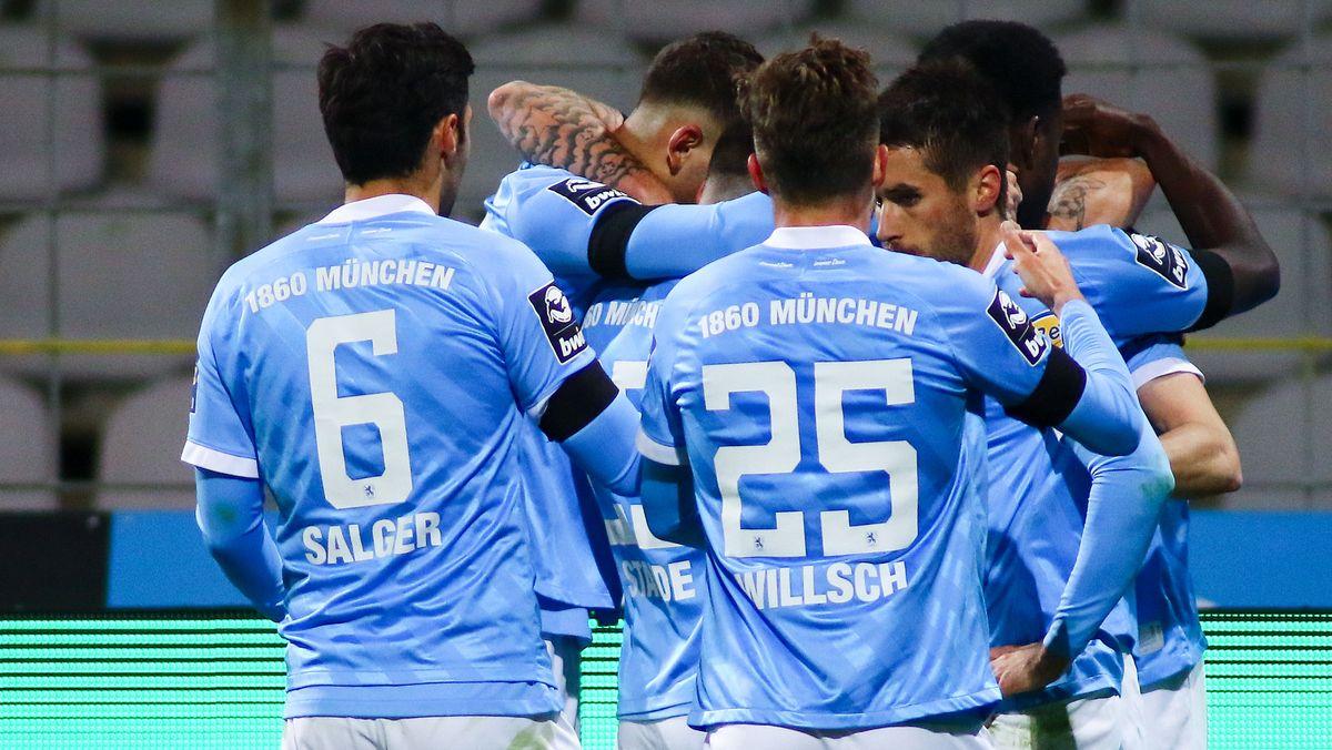 3. Liga: Jubel beim TSV 1860 München nach dem 1:0-Treffer durch Phillipp Steinhart.