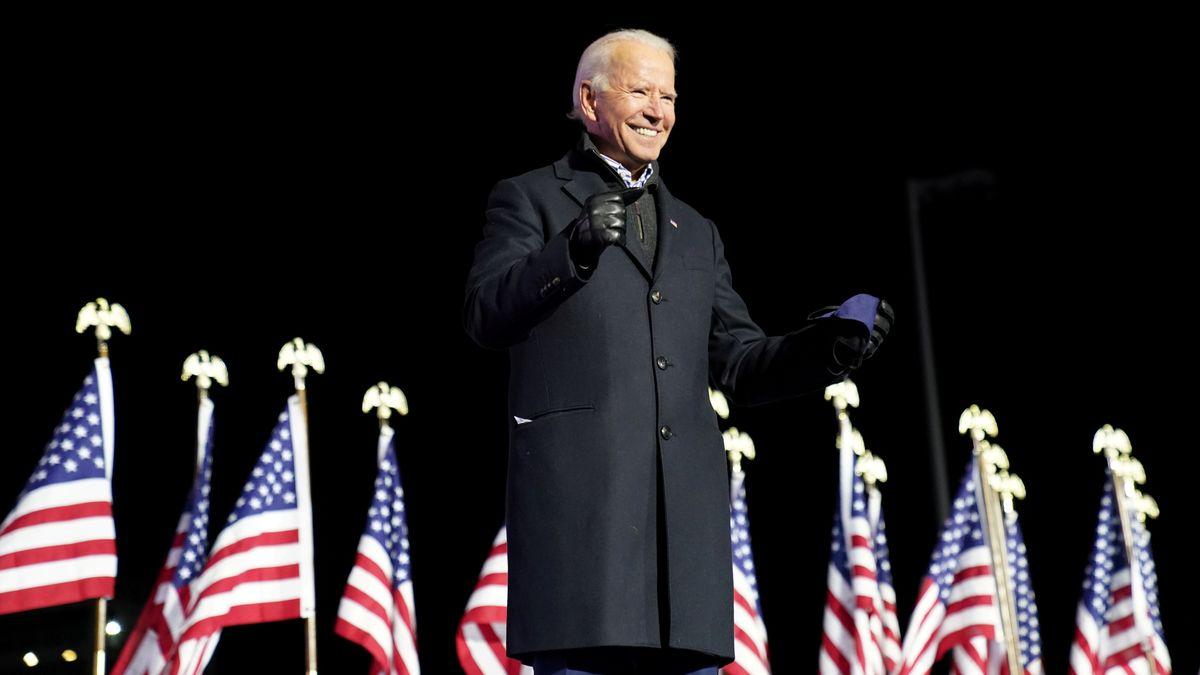 Vor begeisterten Anhängern hat der designierte US-Präsident Biden seine Siegesrede gehalten. Er schlug dabei versöhnliche Töne an und betonte, er wolle Präsident aller Amerikaner sein.