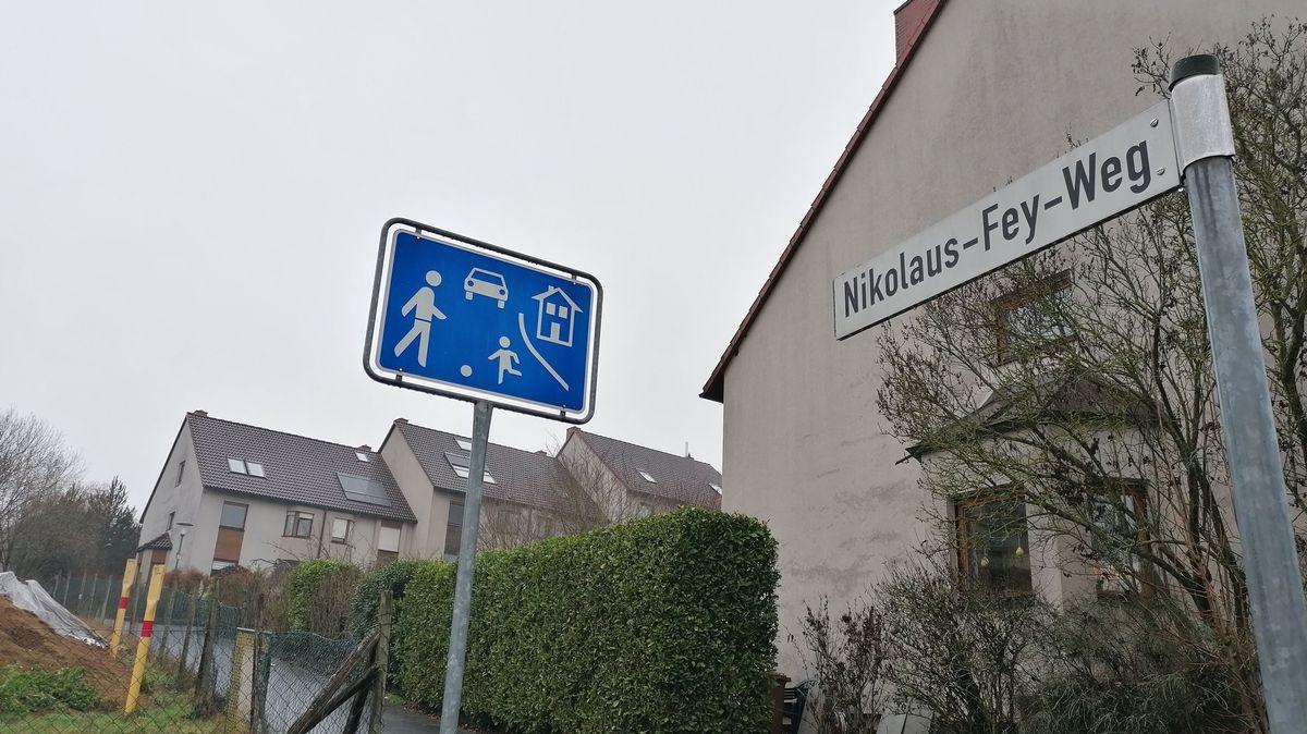 Aus dem Nikolaus-Fey-Weg in Margetshöchheim wird künftig der Emy-Roeder-Weg