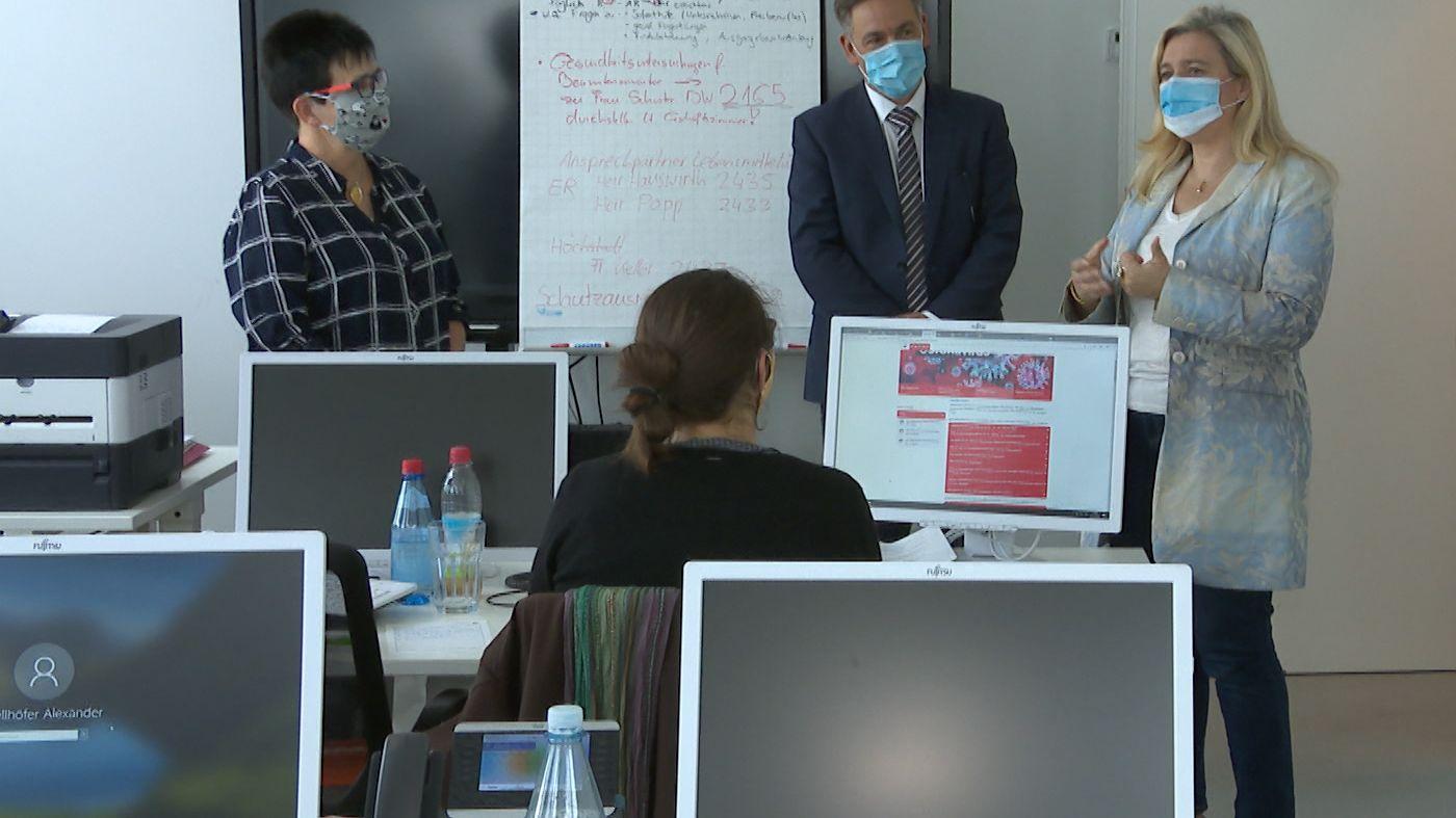 Bayerns Gesundheitsministerin Huml (CSU) im staatlichen Gesundheitsamt Erlangen-Höchstadt
