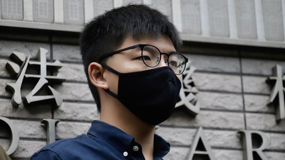 Joshua Wong vor dem Gericht in Hongkong.