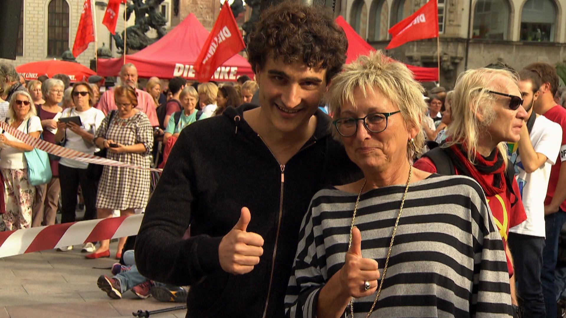 Eva Bulling-Schröter und Ates Gürpinar für Die Linke.
