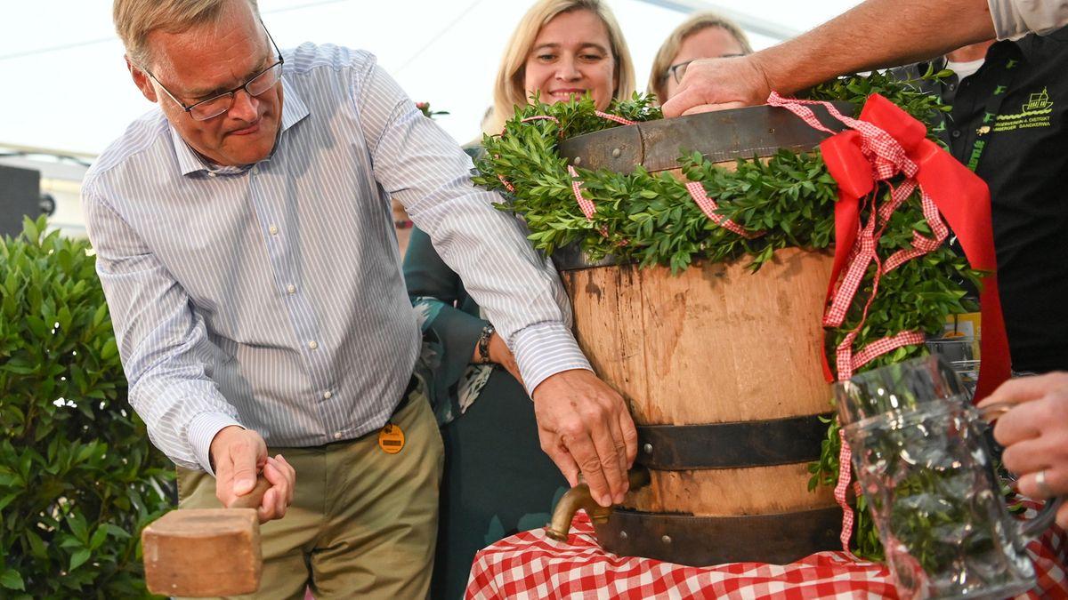 Oberbürgermeister Andreas Starke eröffnete die Bamberger Sandkerwa 2019