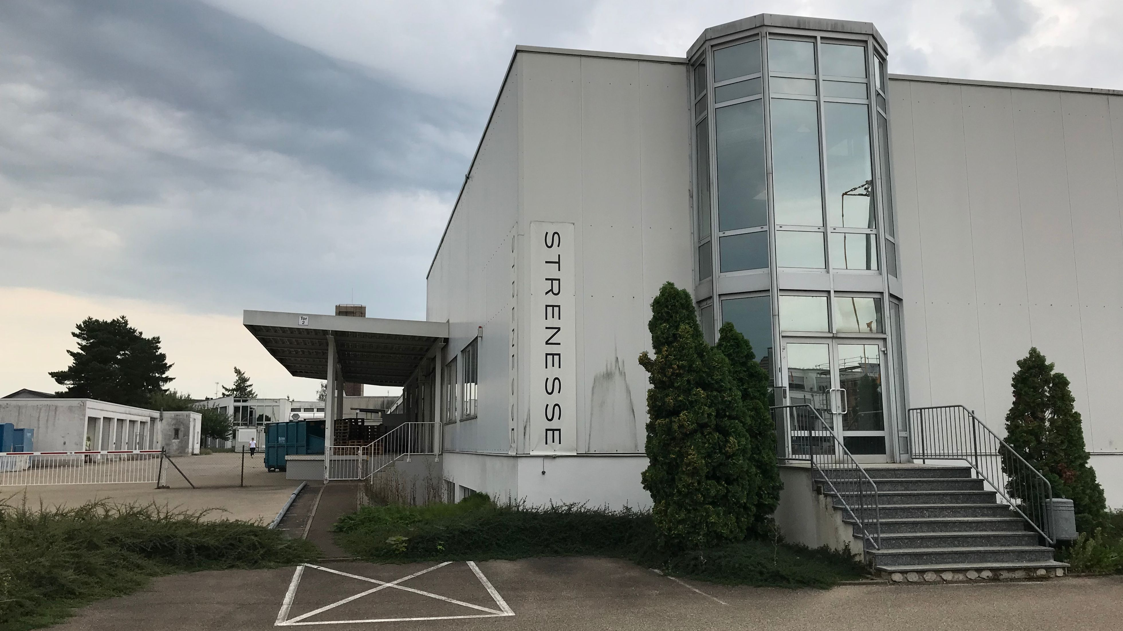 Gebäude des Modeunternehmens Strenesse in Nördlingen