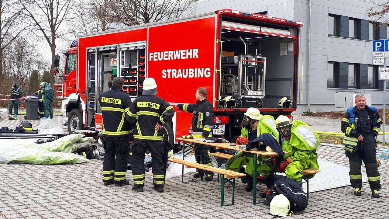 Viele Einsatzkräfte waren beim Großeinsatz in Straubing dabei.