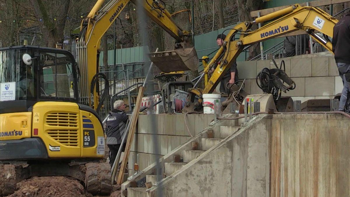 Bauarbeiten auf dem Gelände der Erlanger Bergkirchweih.