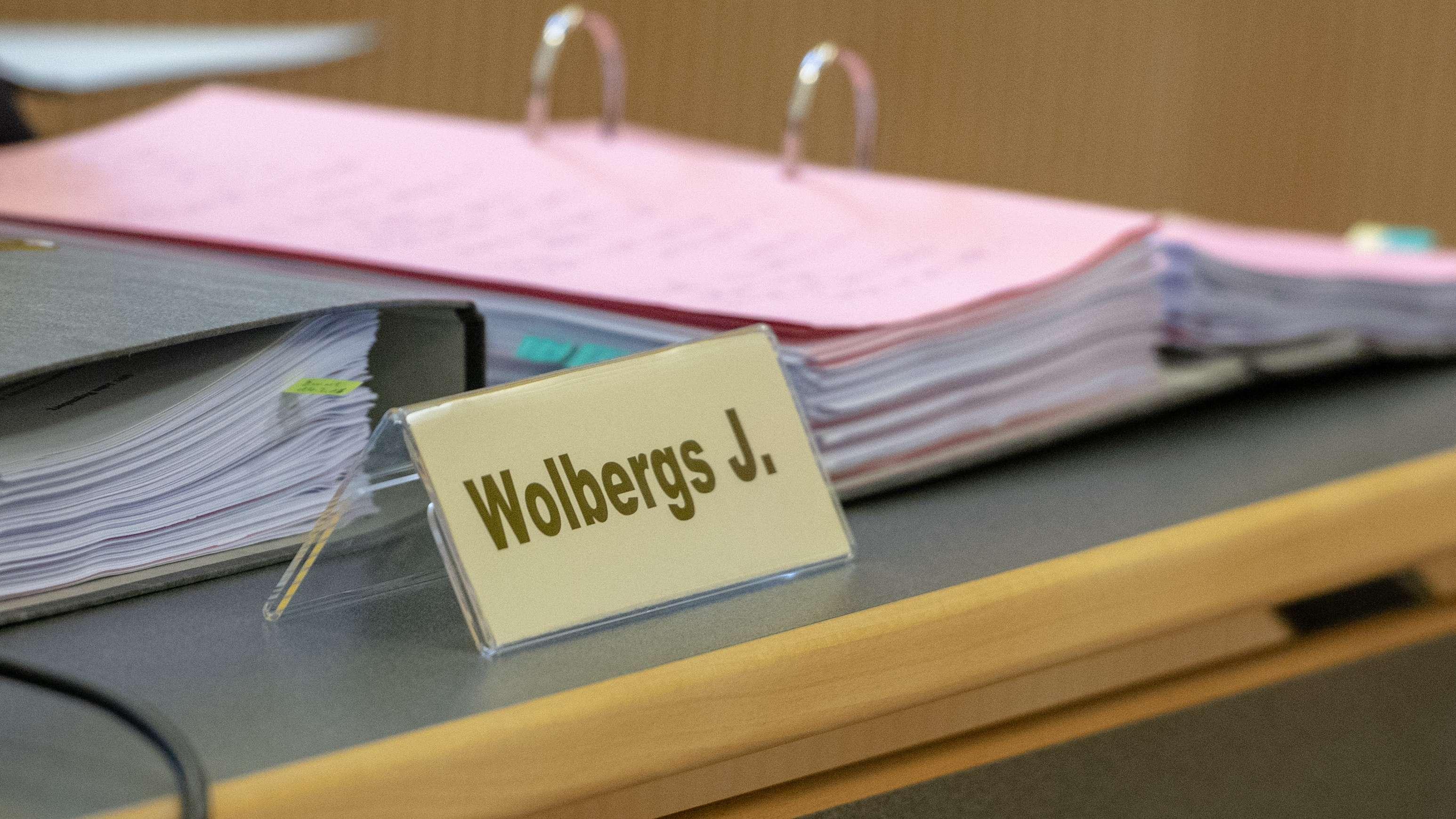 Im Regensburger Korruptionsprozess um den suspendierten OB Wolbergs hat das Landgericht den Auftakt der Plädoyers um eine Woche verschoben.
