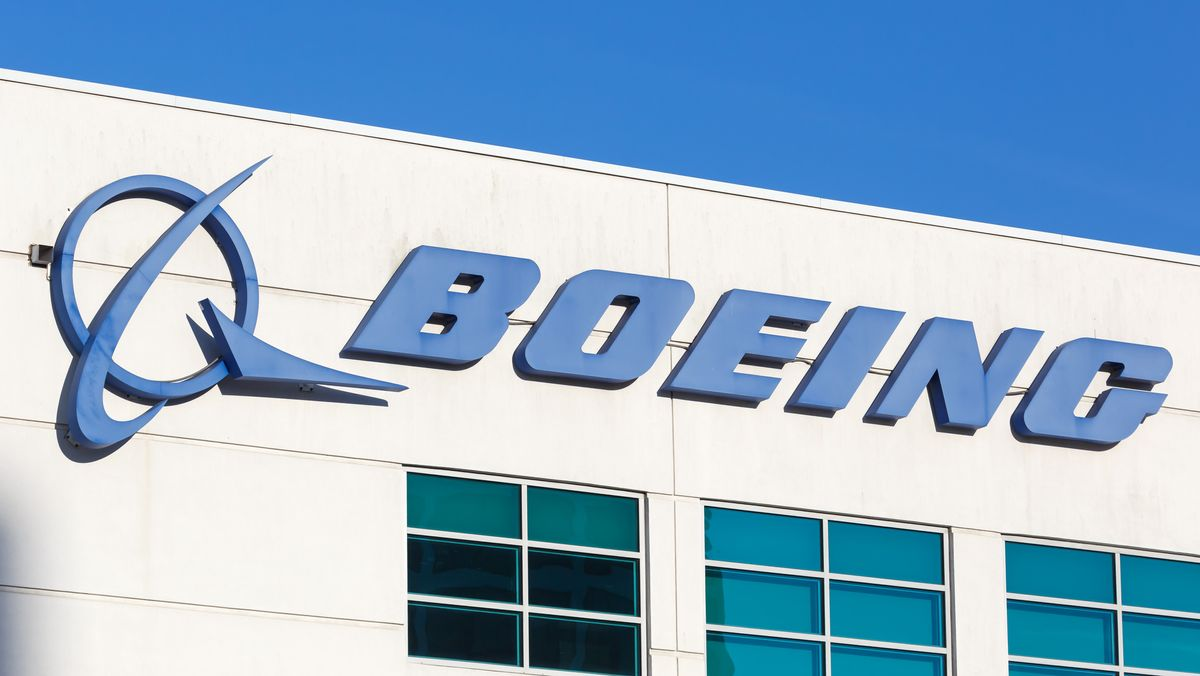 Boeing Logo an einem Gebäude am Flughafen Los Angeles