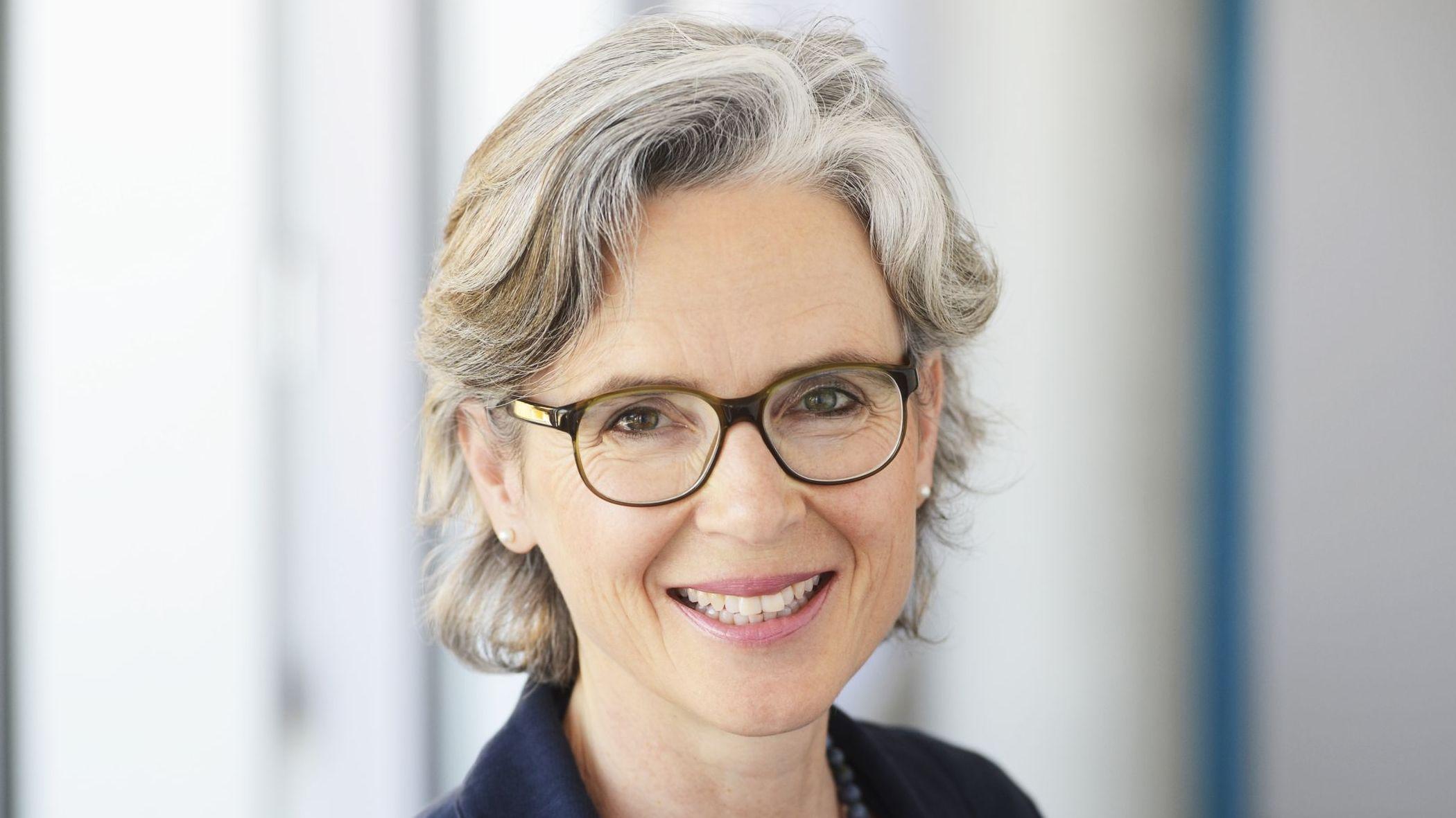 Isabel Grüner, Kunstbeauftragte des Stuttgarter Robert-Bosch-Krankenhauses
