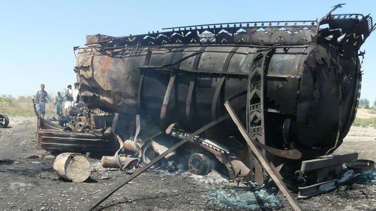 Bei dem Angriff auf einen Tanklaster in Afghanistan starben durch die deutsche Bundeswehr viele Zivilisten. | 4.9.2009