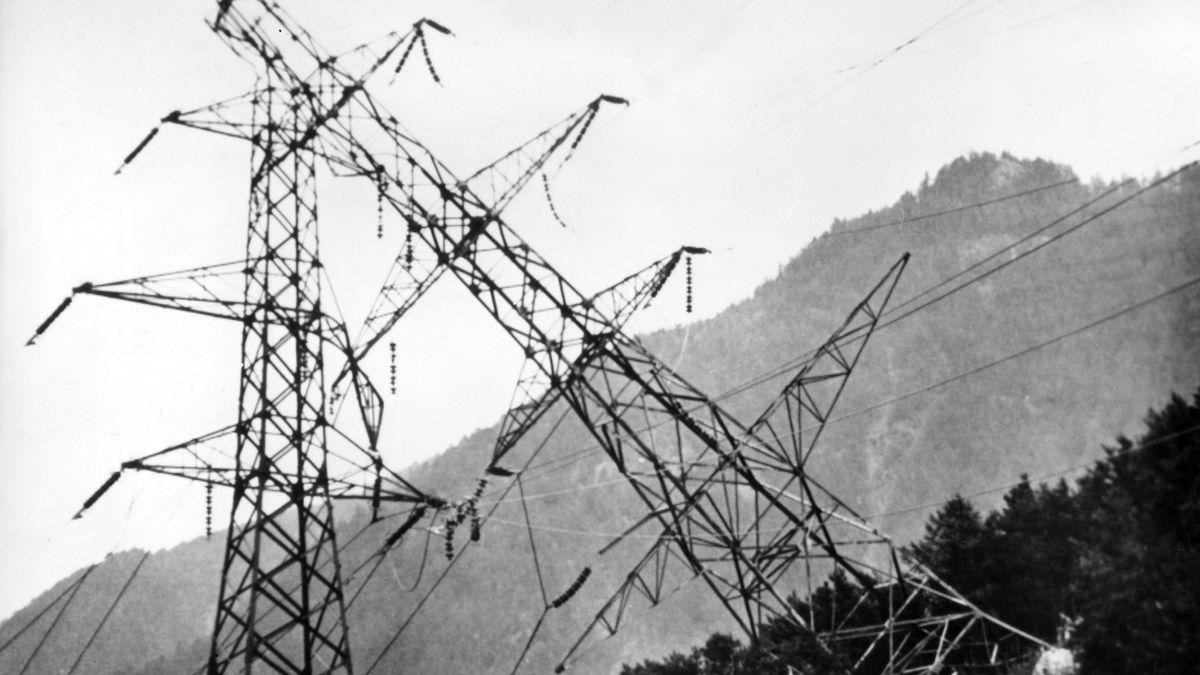 In der sogenannten Feuernacht am 11. Juni 1961 flogen innerhalb weniger Stunden in Südtirol 37 Strommasten in die Luft.