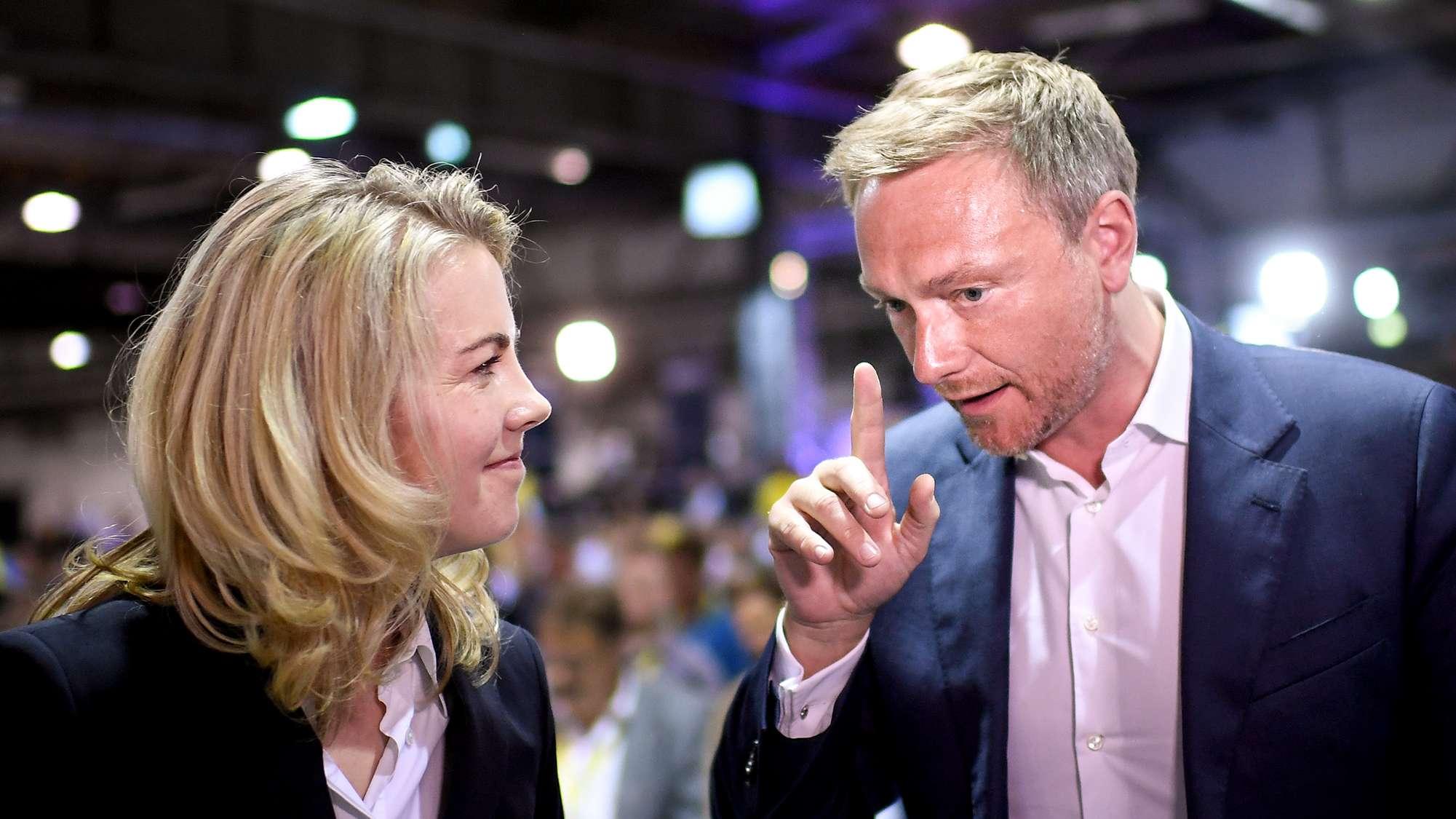 Die neue FDP-Generalsekretärin, Linda Teuteberg, und FDP-Parteichef Christian Lindner auf dem Parteitag in Berlin