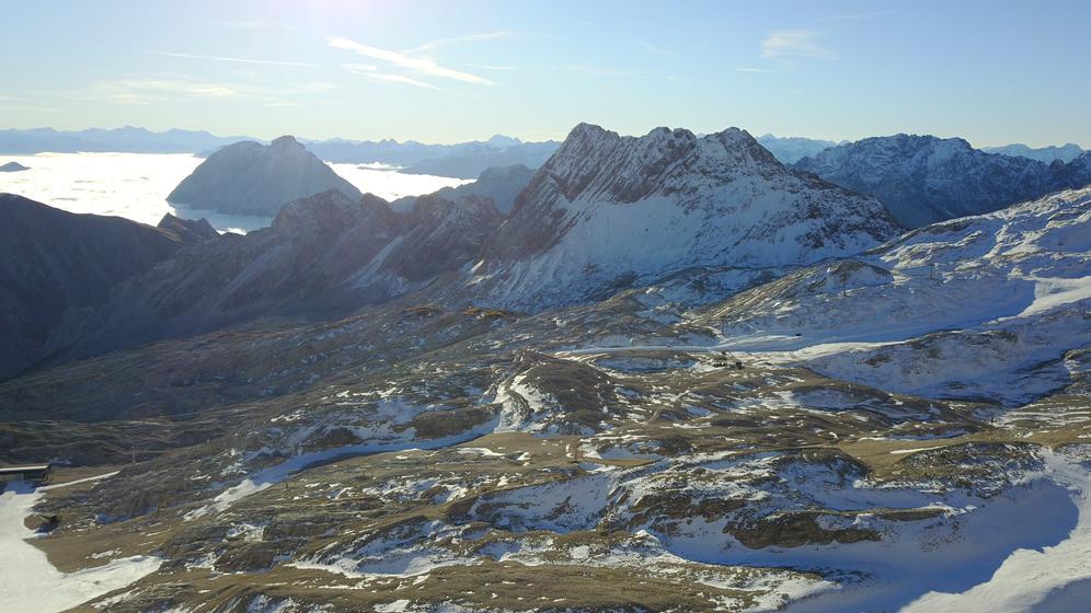 Nur sehr wenig Schnee auf der Zugspitze | Bild:BR/Martin Breitkopf