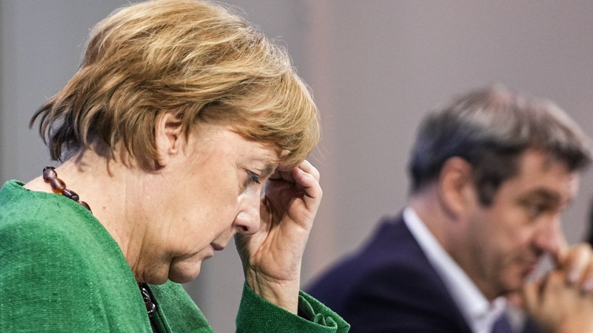 Angela Merkel, CDU, Bundeskanzlerin. Im Hintergrund Markus Söder, CSU, bayerischer Ministerpräsident