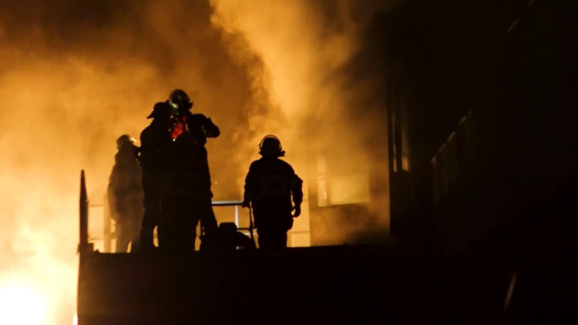 Feuerwehrleute beim Einsatz