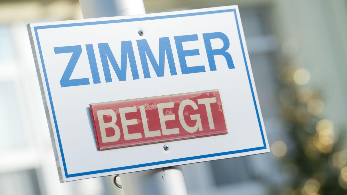 """Schild """"Zimmer Belegt"""" (Symbolbild)"""
