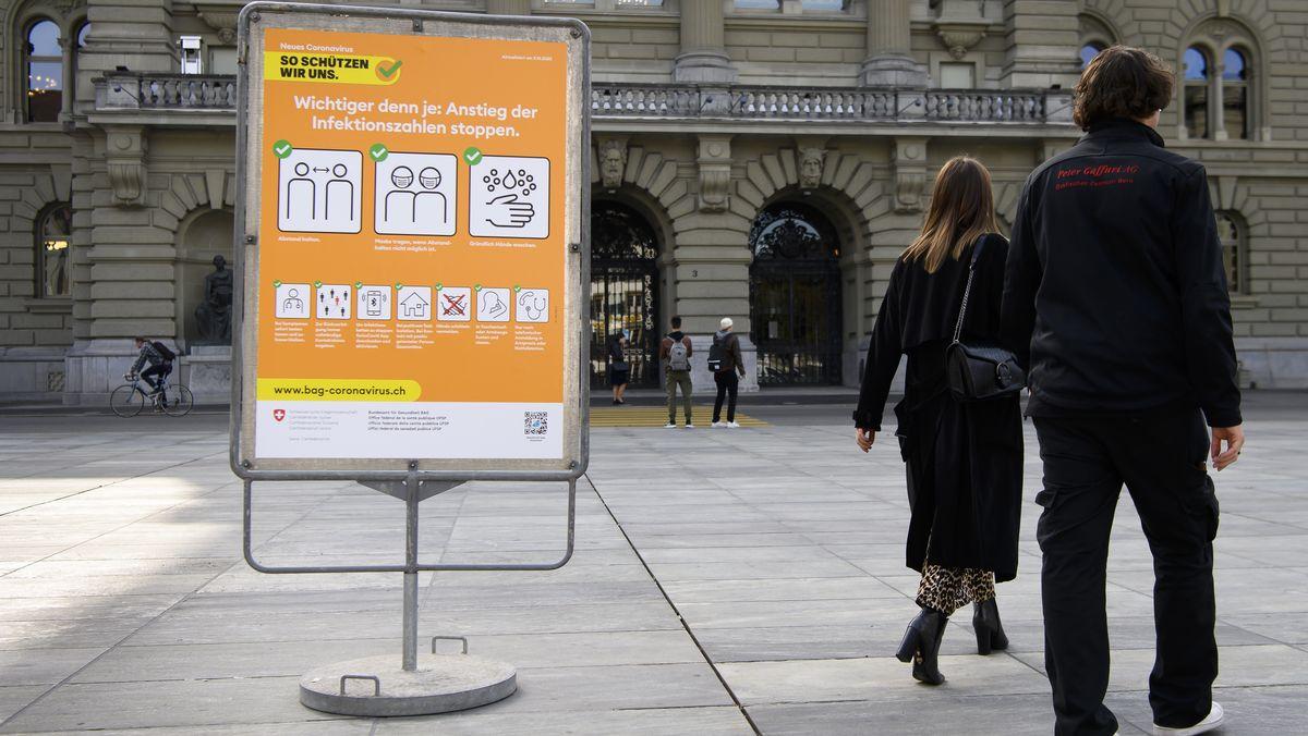 Bern: Plakat mit Verhaltensregeln im Umgang mit dem Coronavirus