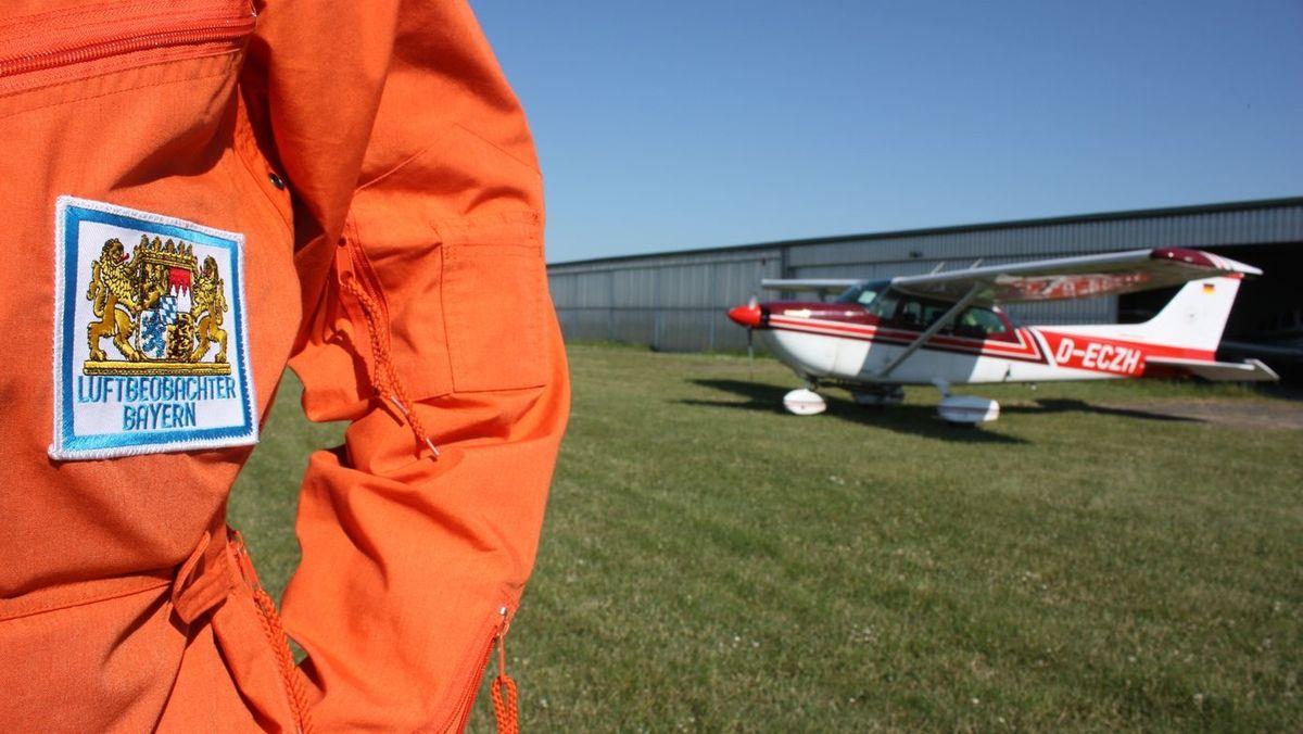 Luftbeobachter am Flugplatz in Hettstadt