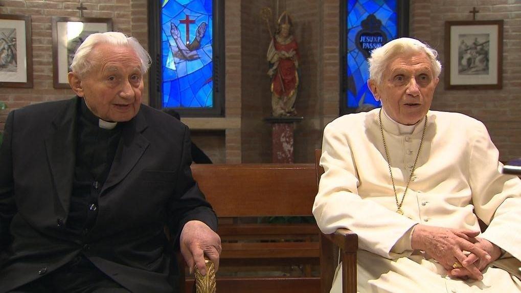 Georg Ratzinger mit seinem Bruder, dem emeritierten Papst Benedikt XVI.