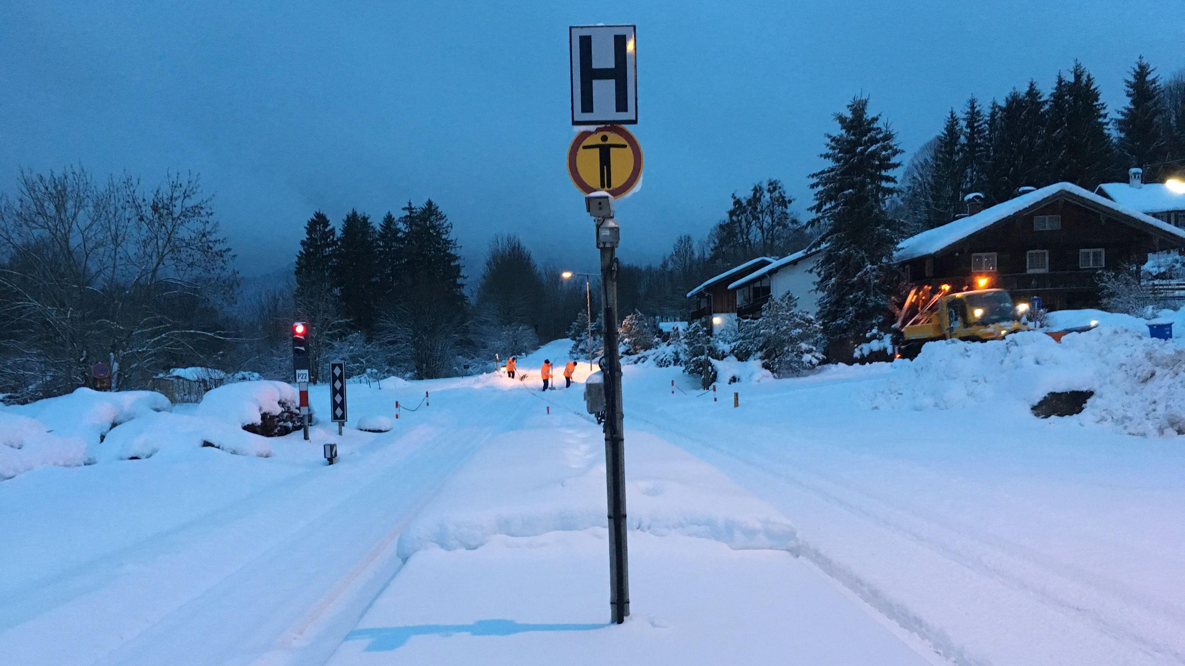Schnee am Bahnhof in Gmund am Tegernsee