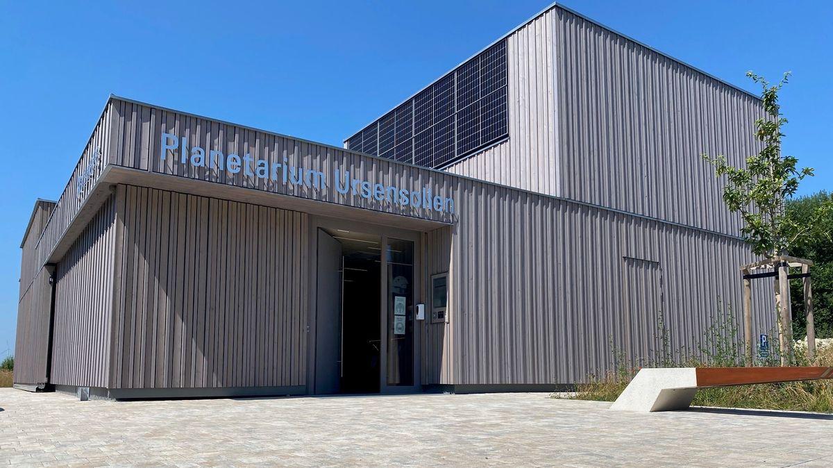 Blick aufs neue Planetarium in Ursensollen