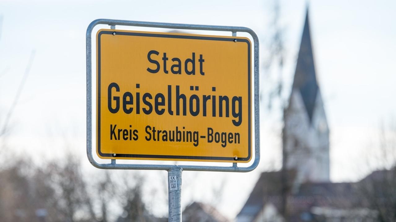 Vor dem Landgericht Regensburg muss sich ein Unternehmer aus dem niederbayerischen Geiselhöring verantworten.