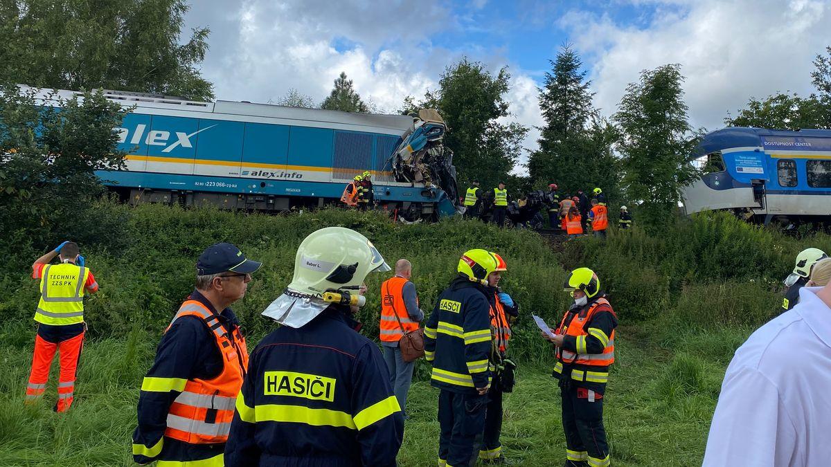 Nach dem schweren Zugunglück in Tschechien waren 40 Helfer des Bayerischen Roten Kreuzes aus dem Kreis Cham am Unfallort im Einsatz.