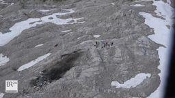 Am Donnerstag ist ein Kleinflugzeug bei Leutasch in Tirol im Wettersteingebirge abgestürzt.   Bild:BR
