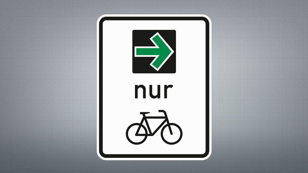 Grünpfeil für Radfahrer.