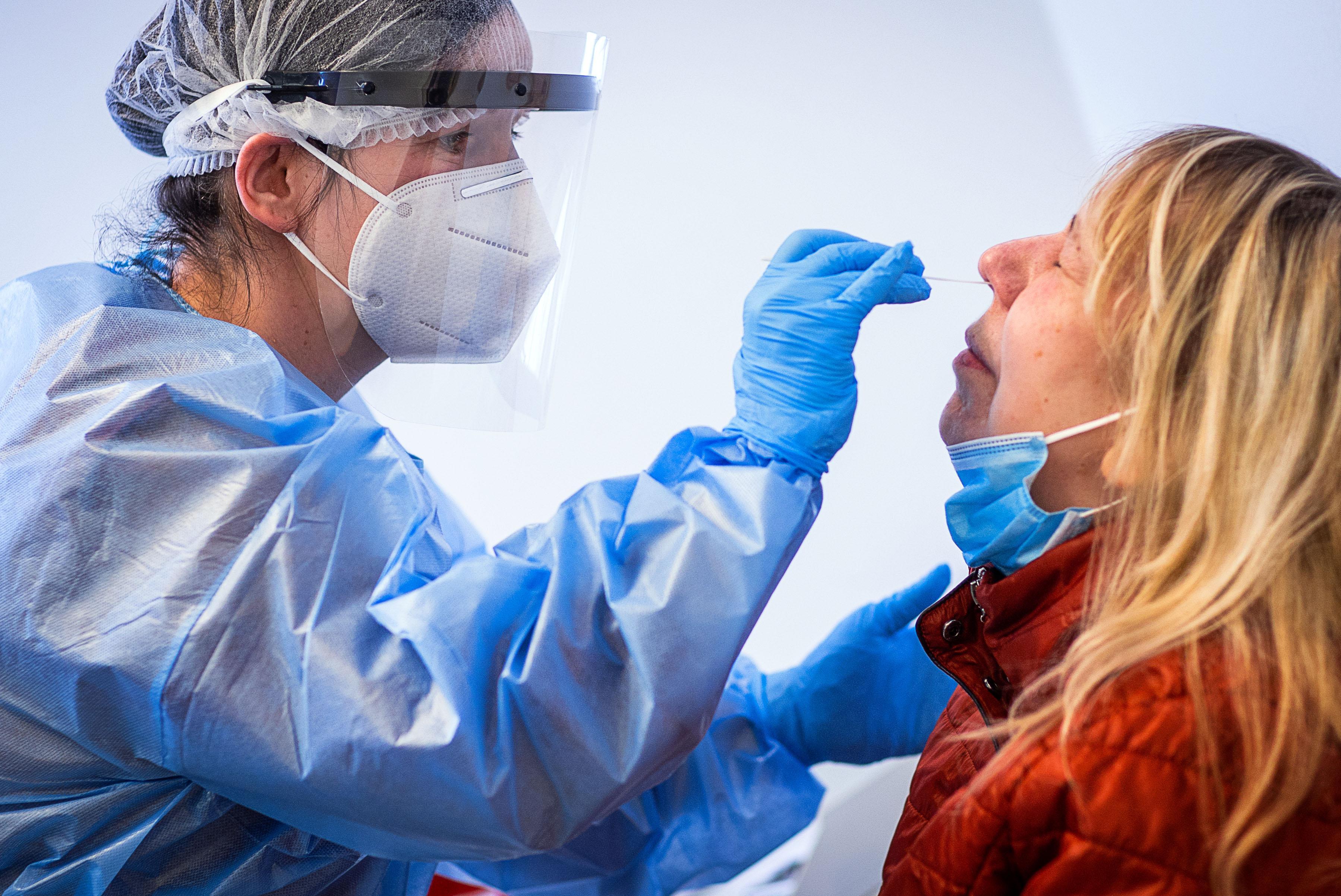 Corona-Pandemie - RKI registriert 13.435 Neuinfektionen