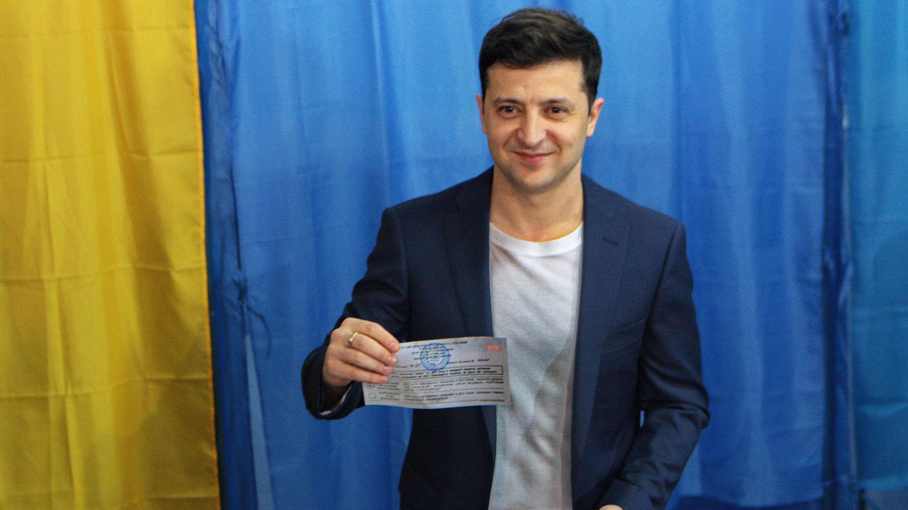 Wolodymyr Selenskyj bei der Stimmabgabe.